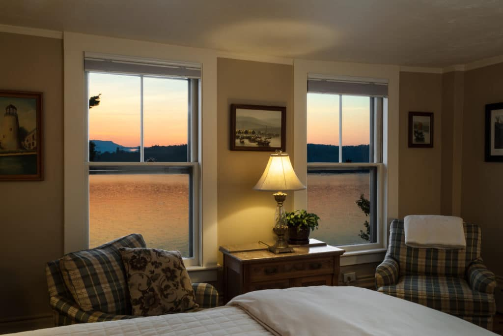 With cozy fall views like this out your window, is it any wonder when the best time to visit New Hampshire is?