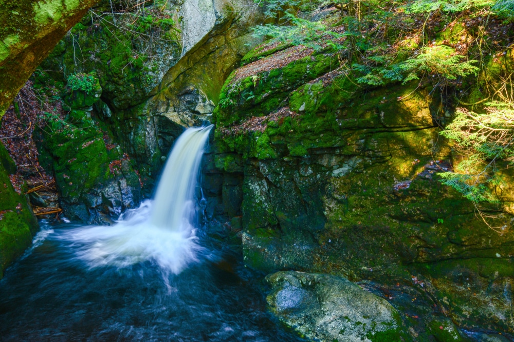 the best waterfalls in NH